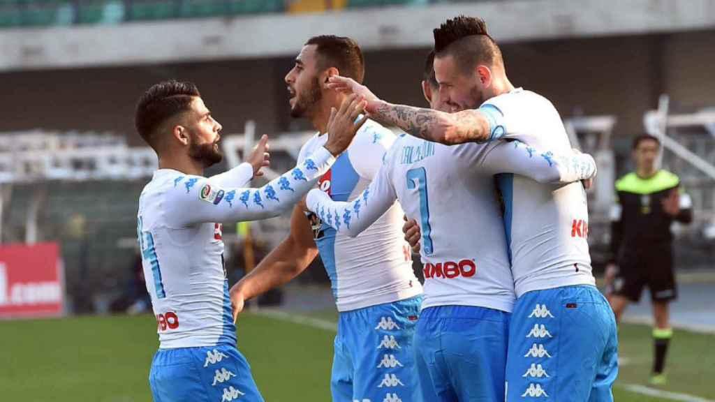 El Nápoles celebrando un gol frente al Chievo