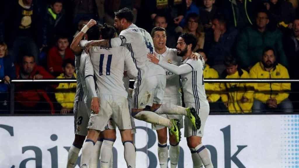 El Real Madrid celebra el gol de Morata