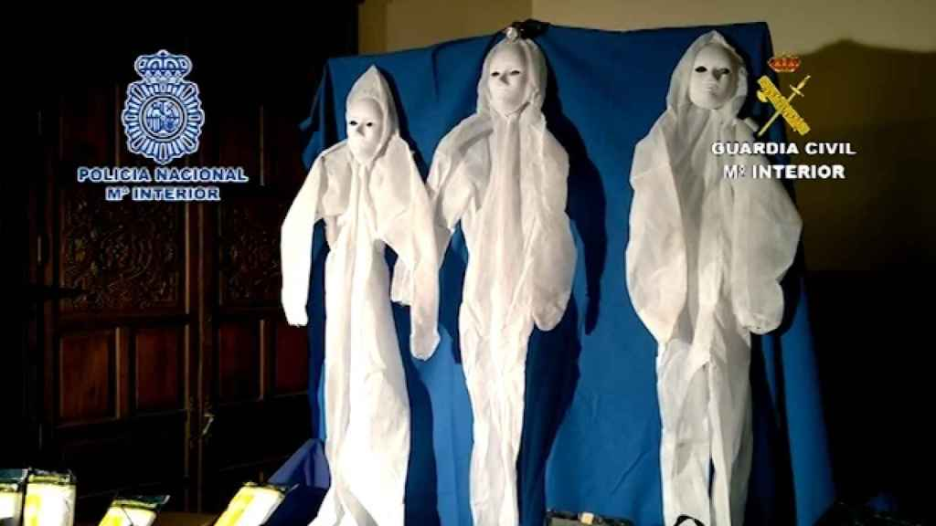 Disfraces usados por la banda desarticulada en un operativo conjunto de Guardia Civil y Policía Nacional.