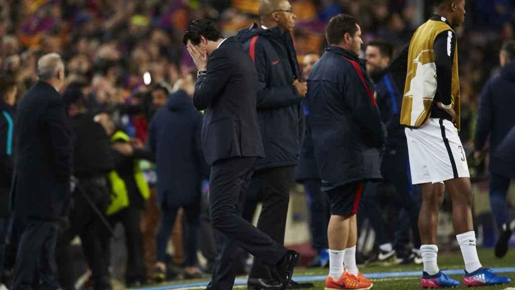 Emery no sabía dónde meterse tras el sexto gol del Barcelona.