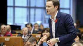 El eurodiputado Seb Dance, durante una intervención en el Parlamento Europeo