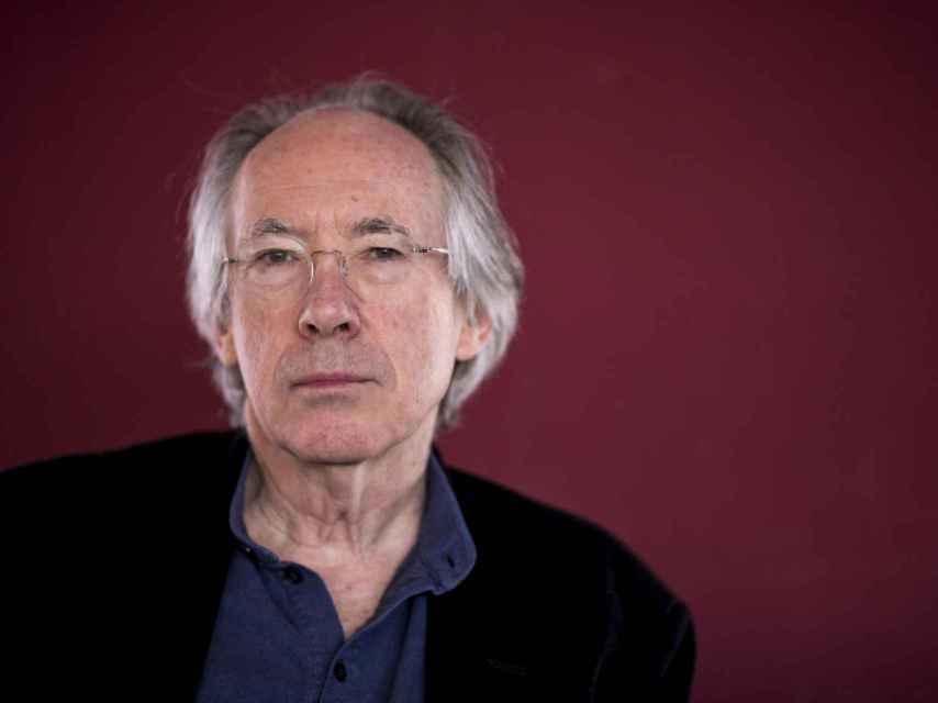 El autor Ian McEwan.