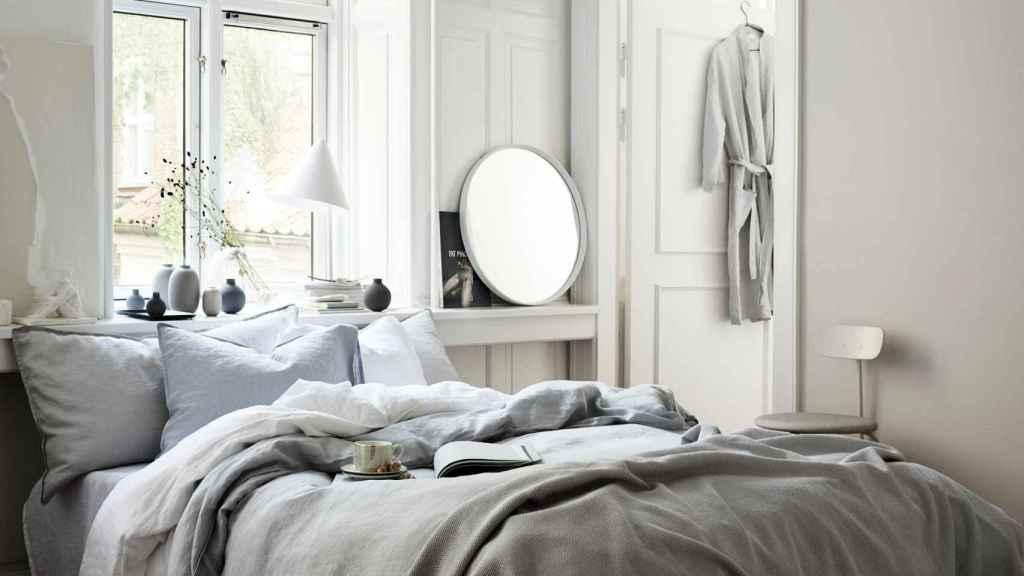 Dormitorio en colores neutros es la mejor opción para el descanso. | Foto: cortesía de H&M.