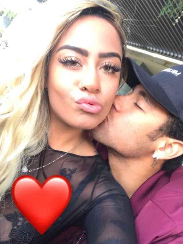 Neymar con su hermana.