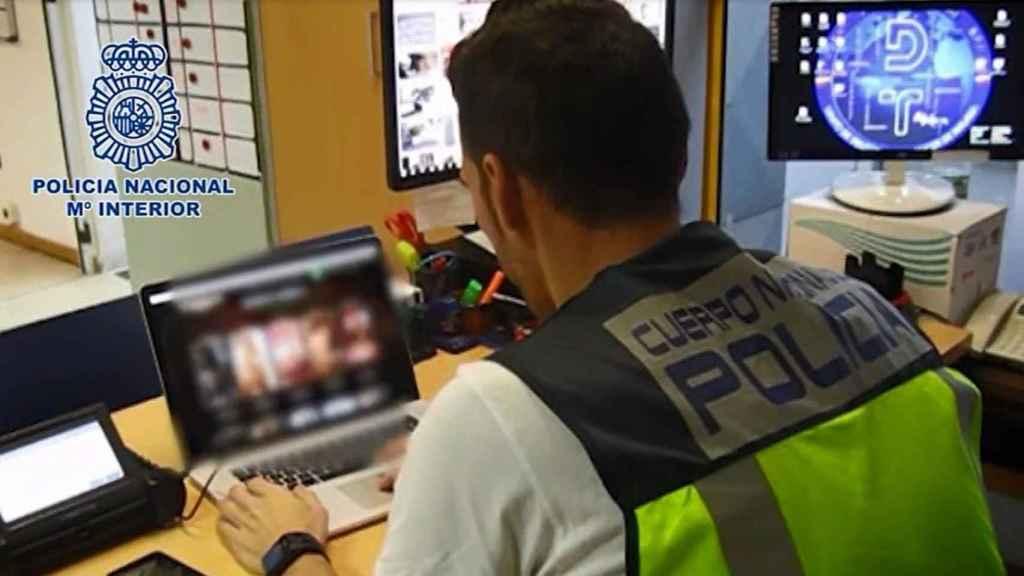 La Policía desarticula una red de prostitución en Málaga que ofrecía la virginidad de una menor por 5.000 euros