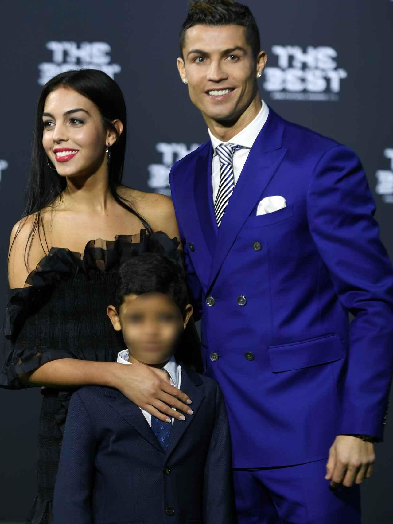 Cristiano con Georgina y su hijo Cristiano Jr.