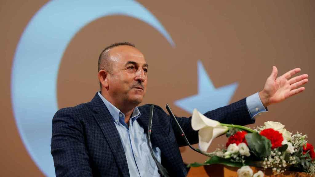 El ministro turco de Exteriores Cavusoglu, en el mitin de Metz (Francia)