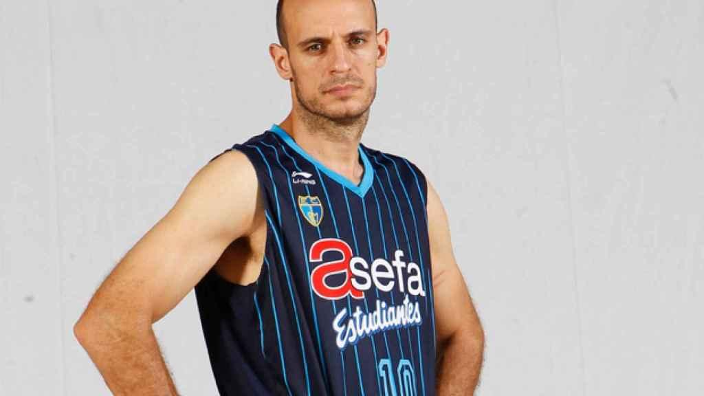 Carlos Jiménez en su etapa en Estudiantes.