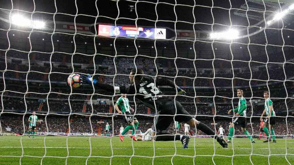 El gol de Cristiano que Adán no logra parar