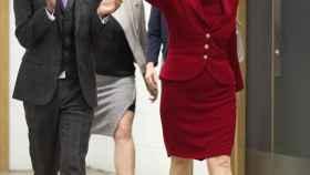 Sturgeon defiende la independencia de Escocia frente a un brexit duro.