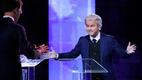 Wilders y Rutte, durante el debate a dos celebrado este lunes