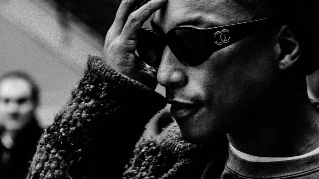 Pharrell Williams se ha convertido en fiel prescriptor de la maison francesa.   Foto cortesía de Chanel