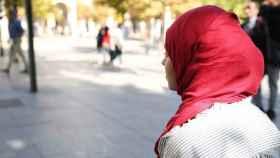 Un juez condenó a Acciona en febrero por vetar a una trabajadora con velo islámico