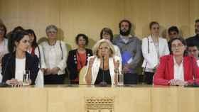 Manuela Carmena con varios de sus concejales.