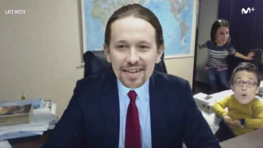 Pablo Iglesias en la parodia española del vídeo viral del profesor en la BBC que firma United Unknow.