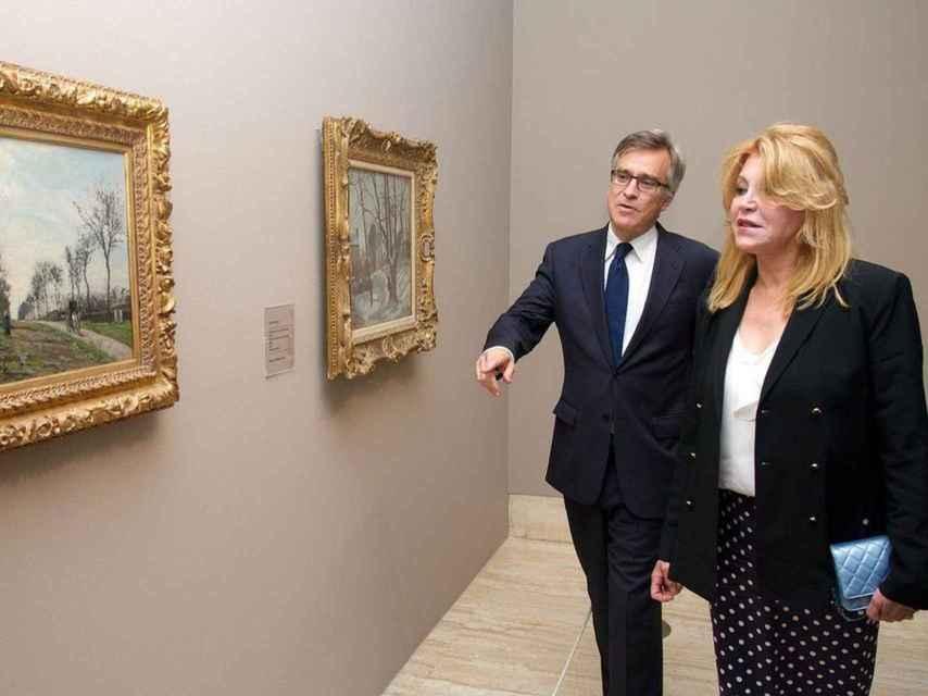 Guillermo Solana y Carmen Cervera, en la exposición de Camille Pissarro, en 2013. Carlos Alvarez/Getty Images.