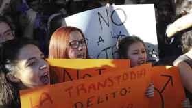 Protestas contra el autobús de HazteOír en la Complutense
