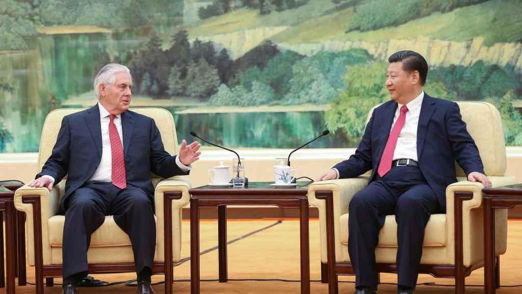 Tillerson y Xi Jinping, durante su encuentro este domingo en Pekín.