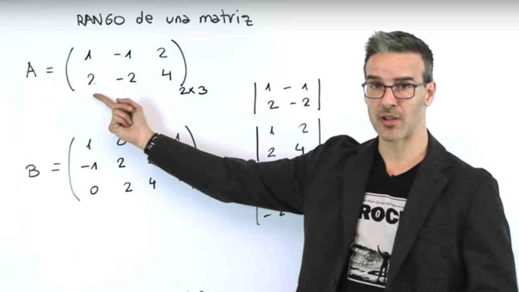 David Calle durante una de sus clases de Matemáticas.