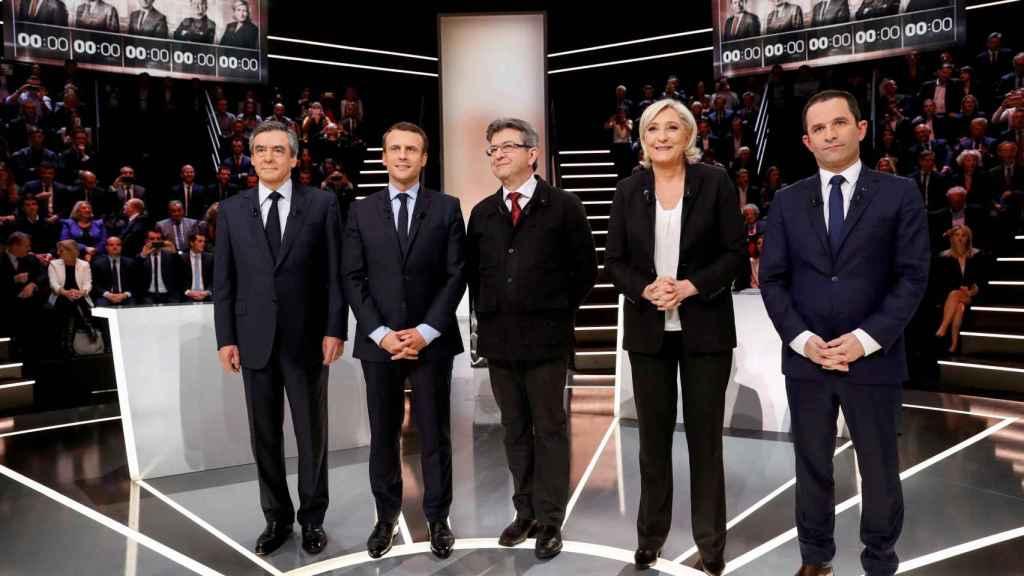 Francois Fillon, Emmanuel Macron, Jean-Luc Melenchon, Marine Le Pen y Benoit Hamon posan antes del debate