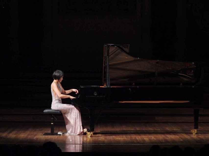 La pianista Yuja Wang durante la primera parte de su concierto en el Palau de la Música.