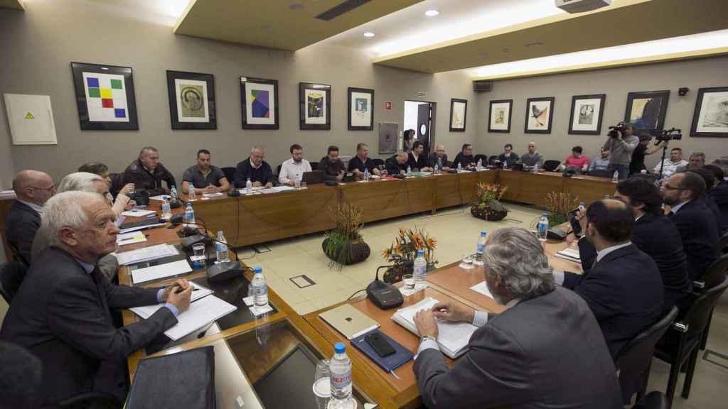 Reunión de los representantes de los estibadores, este martes.