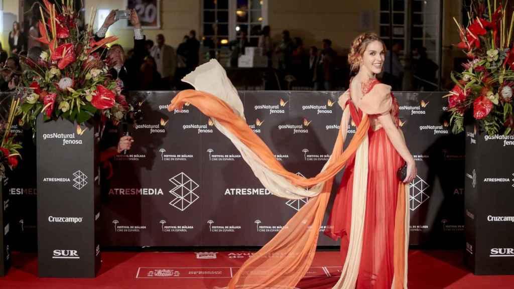 Amarna Miller, en la alfombra roja del festival para presentar su película, Contigo no, bicho