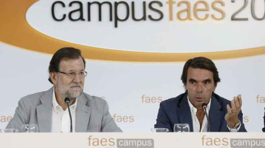 El presidente de Faes, José María Aznar, y el  del Gobierno, Mariano Rajoy.