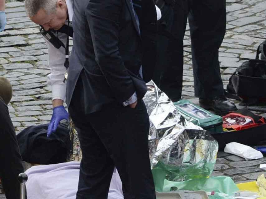 El diputado Tobias Ellwood, héroe involuntario tras tratar de salvar al policía apuñalado