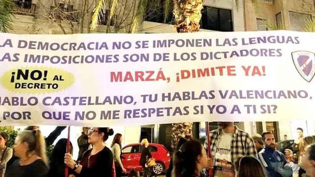 Manifestación en Alicante contra el decreto de plurilingüismo de la Generalitat Valenciana.