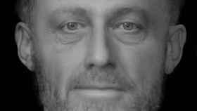 Estás mirando a los ojos a un hombre que murió hace 700 años y tiene mucho que contarte