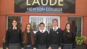 Alumnos del Newton College, en Alicante.