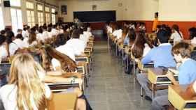Los alumnos del centro, durante una clase.
