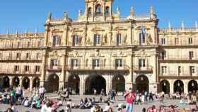 Plaza_Mayor,_Salamanca-estudiantes