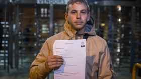 José Manuel Vera, 29 años. Su jornada de búsqueda de empleo comienza cada día a las seis de la mañana.