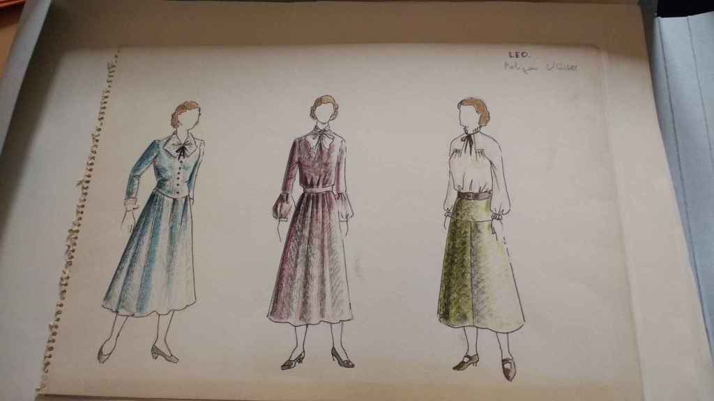 Diseños de vestuario de Eduardo Torre de la Fuente, otra de las joyas de la biblioteca.