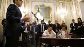 Albert Rivera en una rueda de prensa junto al equipo económico de Ciudadanos.