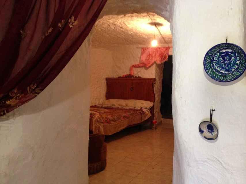Emilia se crió en una cueva en la parte alta de Tíjola (Almería), donde también vivían otras familias gitanas.