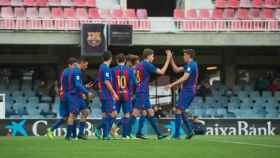 Los jugadores del Barcelona B celebran un gol ante el Eldense.