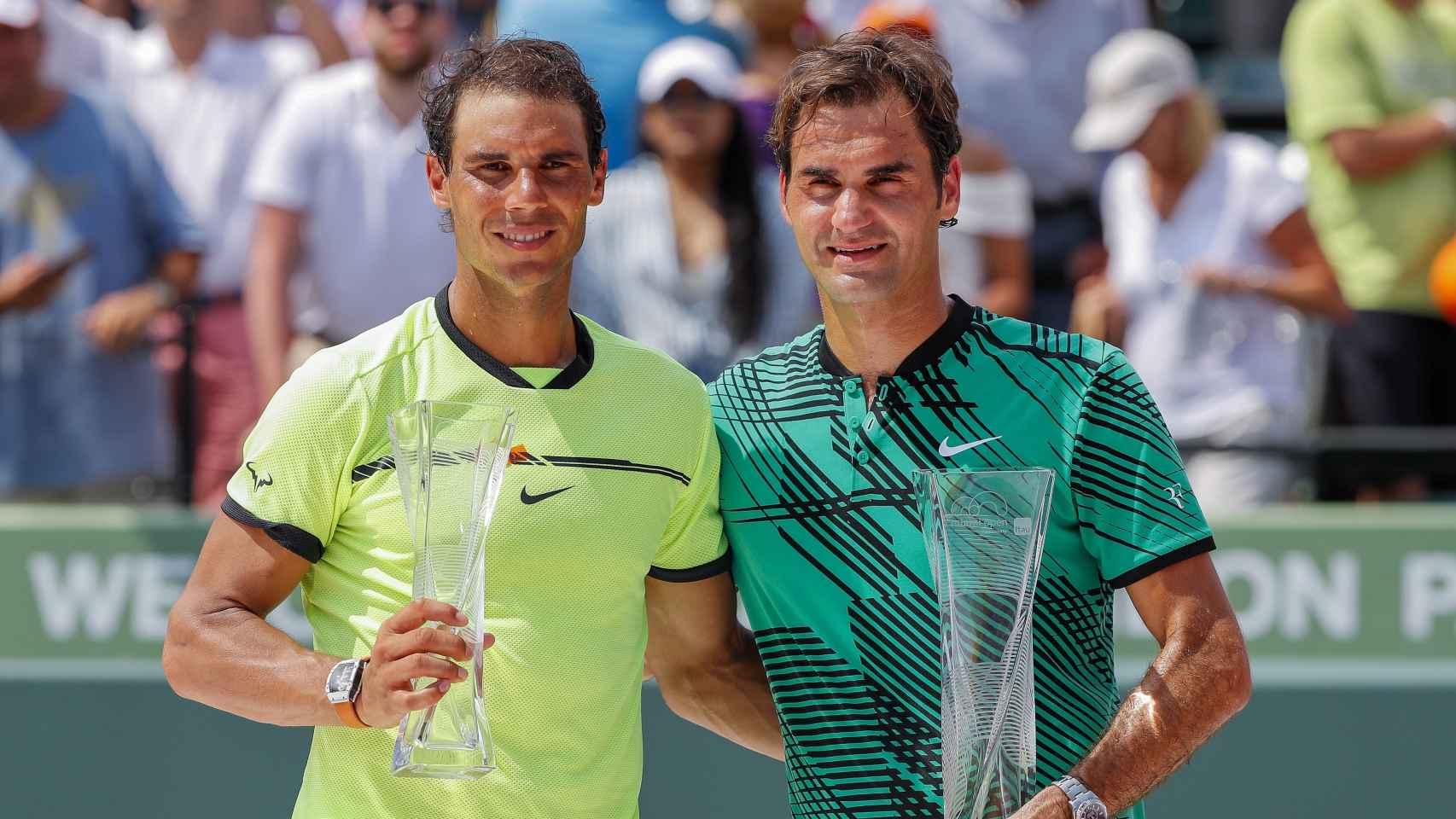 Rafa Nadal y Roger Federer tras la final de Miami.
