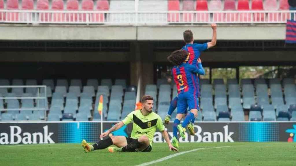 El Barcelona B celebra un gol ante el Eldense