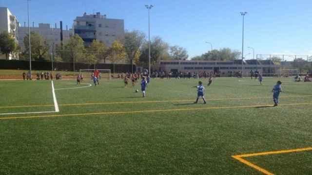 Imagen de un encuentro de fútbol base.