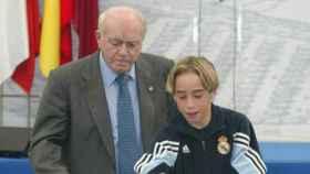 Carvajal poniendo la primera piedra de la Ciudad Deportiva junto a Alfredo Di Stéfano
