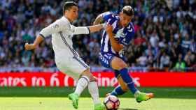 Cristiano y Theo disputan un balón Foto Instagram (@theo3hernandez)