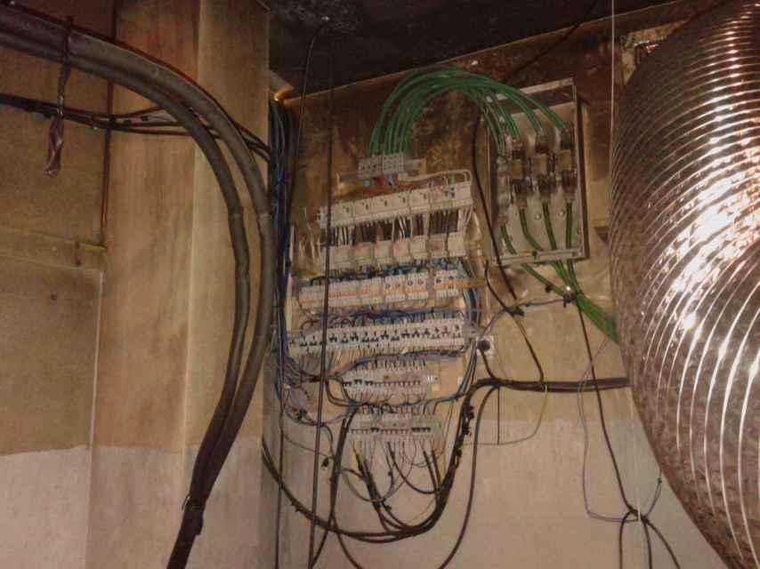 Los traficantes conectan sus instalaciones a la red eléctrica viaria de Sanlúcar.
