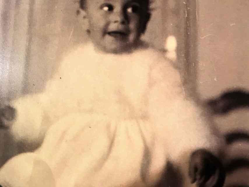 María Mendiola, fundadora de Baccara, con un año de edad.