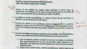 Repase el uso de las comas. Profesores argentinos corrigen en público la carta de una política