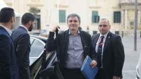 El ministro griego, Euclides Tsakalotos, a su llegada al Eurogrupo de Malta