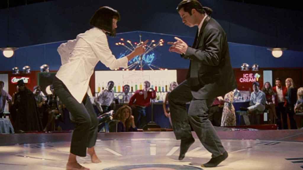 Uma Thurman y John Travolta moviendo el esqueleto en una escena de 'Pulp fiction'.