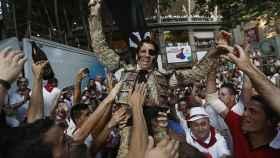 Padilla sale a hombros de la plaza de toros de Pamplona en 2013